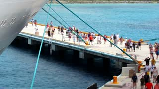 Cozumel Tourists Timelapse Boarding ship