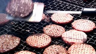 Grilling Hamburgers 918