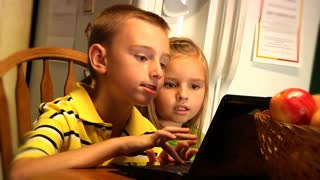 Kids with Laptop 892