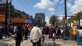 People Watch a Float in the Mardi Gras Parade 4099