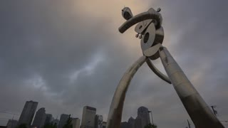 Dallas Traveling Man Downtown Background Cloudy Morning Time Lapse 02