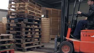 Loading pallets on the truck