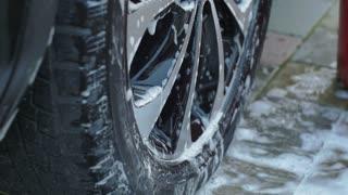 Wash the car wheels