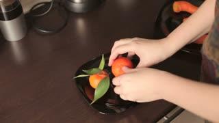 Juicy mandarins in the kitchen