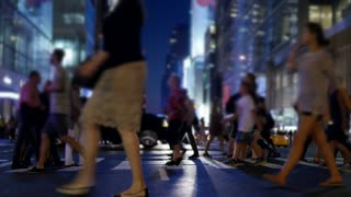 new york city street scene of people walking on crowded street