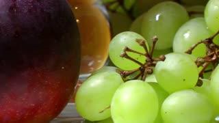 Rotating fresh fruits
