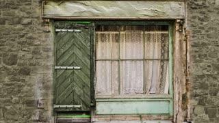 animation - wooden door opening to green screen