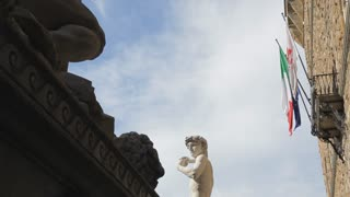 MH LA LD Palazzo Vecchio and Statue of Michelangelo's David / Florence, Italy