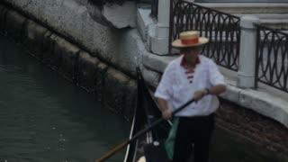 MH TD Gondolier Rowing Gondola / Venice, Italy