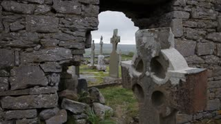 MH TU Small Stone Graveyard / Ireland