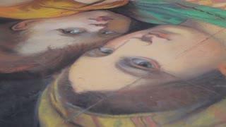 MH TU Street Artist Painting on Sidewalk / Florence, Italy