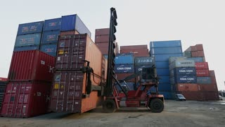 WS Forklift in container yard / Singapore