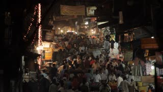 WS HA Crowded street scene at night / New Delhi, India