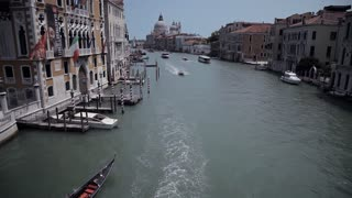 WS HA LD Boats Going down Grand Canal / Venice, Italy