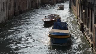 WS HA TD Boats Going down Canal / Venice, Italy