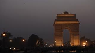 WS India gate at dusk / New Delhi, India