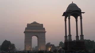 WS India Gate at sunset / New Delhi, India