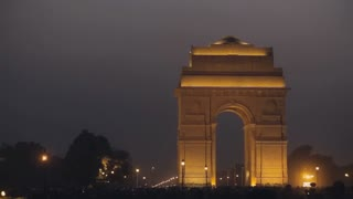 WS India Gate lit up at night / New Delhi, India