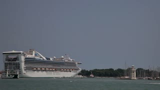 WS LD Cruise Ship Going out to Sea / Venice, Italy