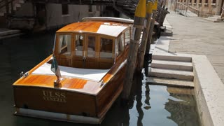 WS LD Rear View of Boat Moored in Water / Venice, Italy