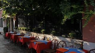 WS LD Sidewalk Cafe / Venice, Italy