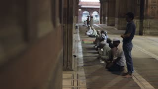 WS Men Praying at Jama Masjid Mosque / India