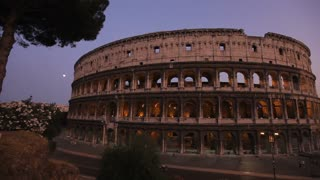 WS PAN Coliseum at Dusk / Rome, Italy