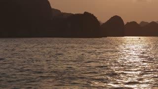 WS PAN Sunset in Ha Long Bay / Vietnam