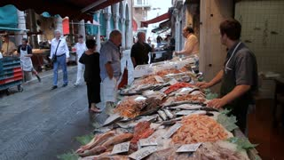 WS People Buying Fish from Outdoor Market / Venice, Italy