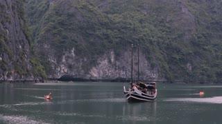 WS Small Boat and Kayaks in Ha Long Bay / Vietnam