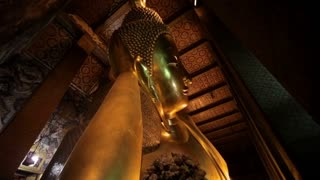 WS TD LA Gold reclining Buddha / Wat Pho temple, Bangkok, Thailand