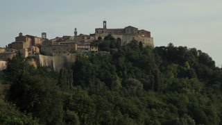 WS Town on hill / Montepulciano, Tuscany, Italy