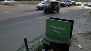 WS Trash bin for Biodegradable waste on side of busy road / New Delhi, India