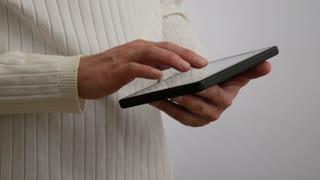 Using tablet computer 4 K