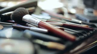Brush and eye shadow makeup tools