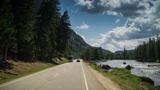 4K shot driving through Yellowstone