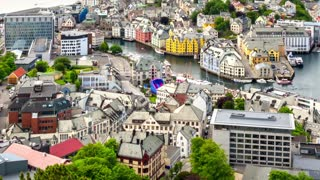 Aksla at the city of Alesund , Norway timelapse.