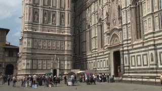 Artists and Tourists Around the Duomo