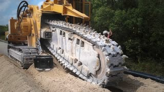 Asphalt splitting machine