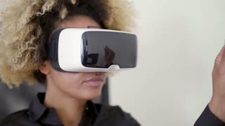 Businesswoman Working In Virtual Reality