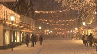 Busy Snowy Street 2