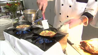 Chef Makes a Delicious Omelet 5