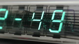 Clock Zoom Out