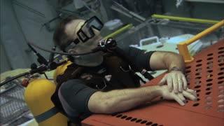 Crew Worker Underwater 2