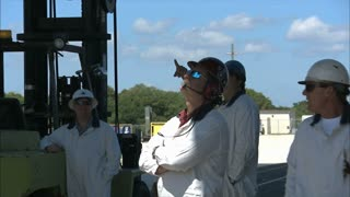 Crew Workers Commenting On Rockets