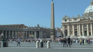 Crowd Gathering in St. Peters Square