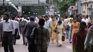Crowds Walking Through Mumbai Marketplace