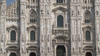 Duomo Milan Tilt Up Close 2