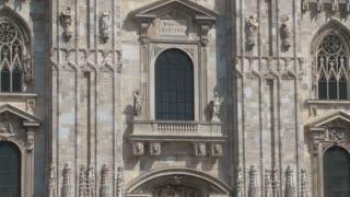 Duomo Milan Zoom In Tilt