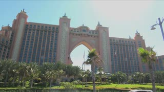 Grand Entrance To Atlantis The Palm Hotel And Resort